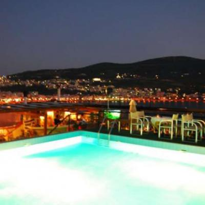 L Aeolis Poolbar1